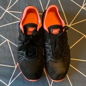 Nike Dual Fusion TR Hit Cross Trainer